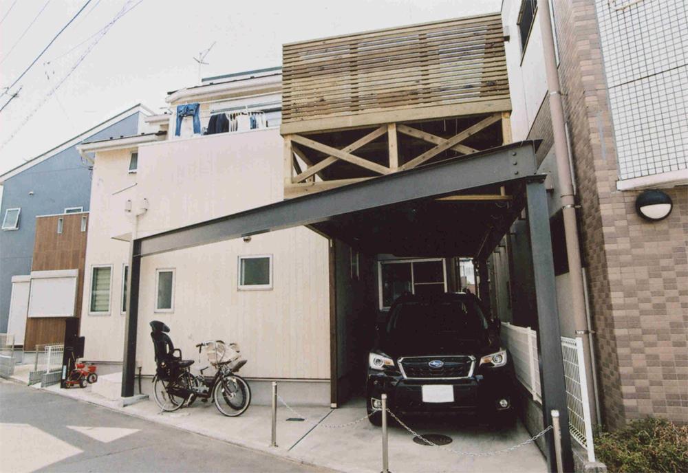 神奈川県茅ヶ崎市A様邸 ストレスフリーの計算されたこだわりカーポート。ウッドデッキでスペース有効活用!