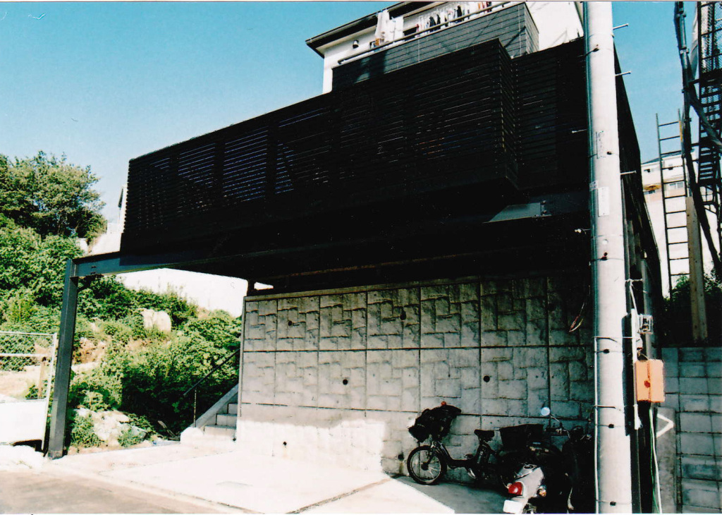 神奈川県川崎市F様邸 カーポート上に作った広いオイルステイン塗装のデッキ