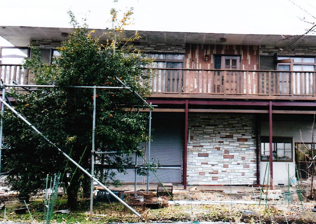 栃木県鹿沼市W様邸 雨よけもついた緑の自然となじむLBウッド