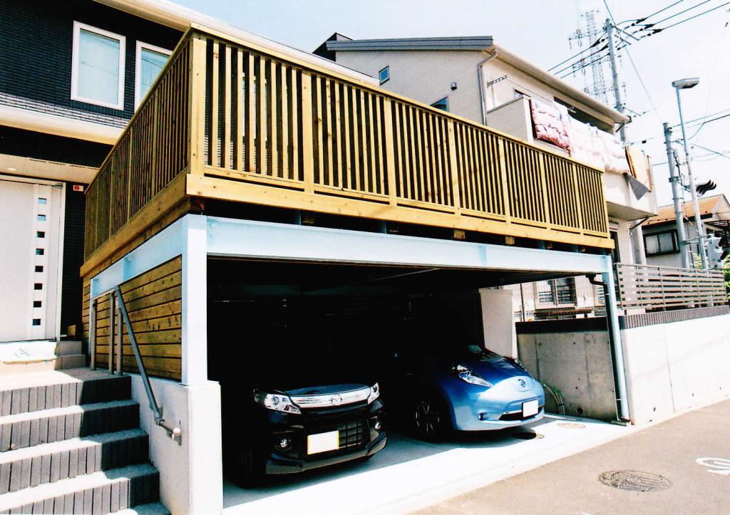 神奈川県藤沢市G様邸 ゆったり2台分のカーポートスペースに広々ウッドデッキ