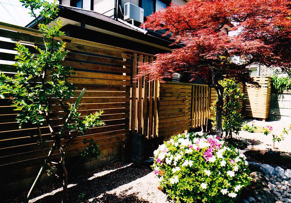 千葉県船橋市M様邸 和風モダンが植物と溶けこむオリジナルウッドフェンス