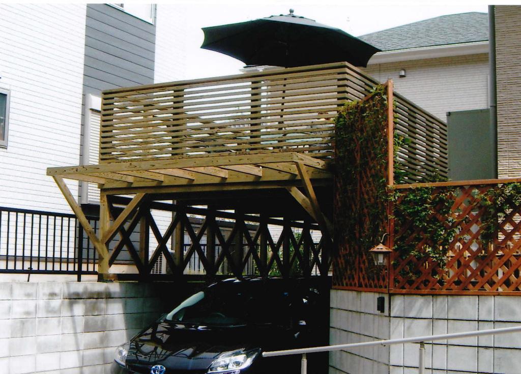 千葉県市原市S様邸 カーポートの上に施工した人気のバルコニーデッキ