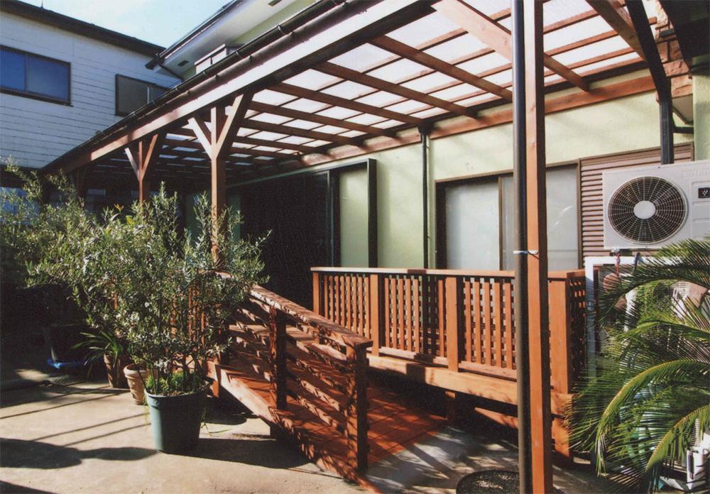 東京都大田区K様低 構造部分を再利用。パーゴラにのみ塗装を施して個性的に。