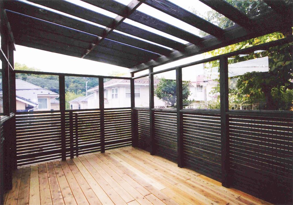 神奈川県横浜市青葉区M様邸 ワンちゃんの雨の日用のスペースウッドデッキ