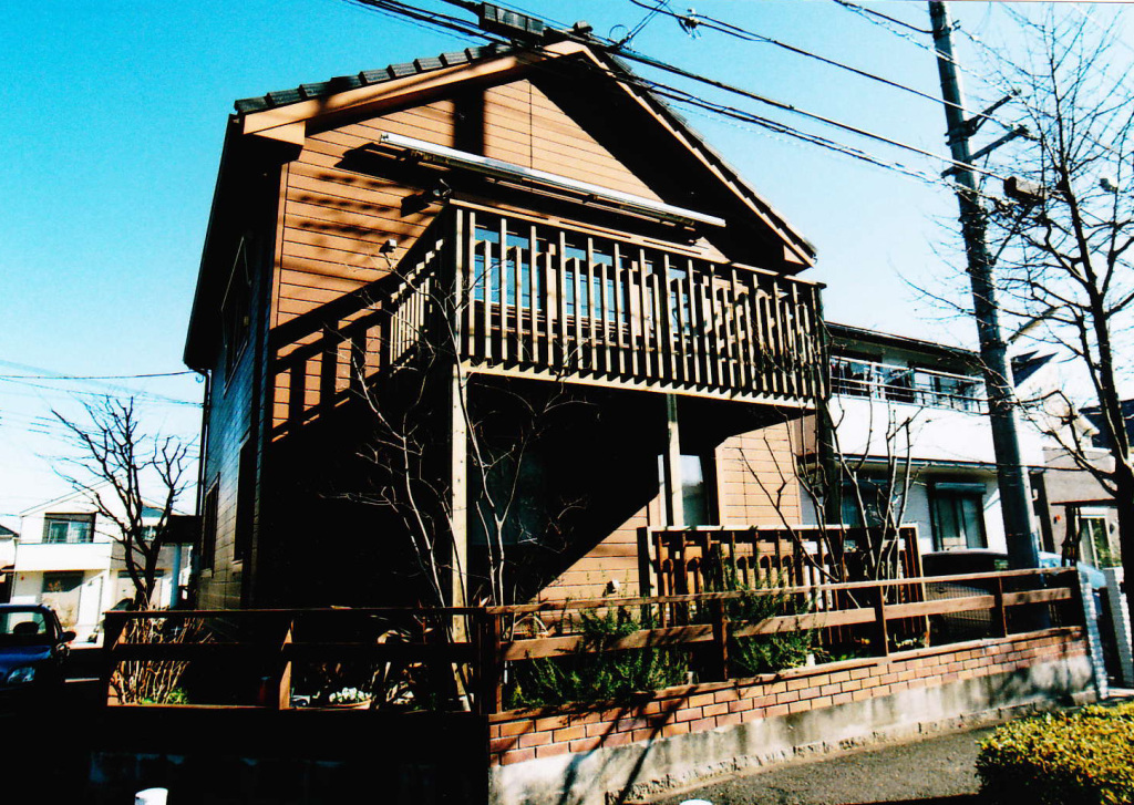 神奈川県川崎市I様邸 オリジナル寸法のデザインデッキ 傷んでしまったバルコニーをリノベーション