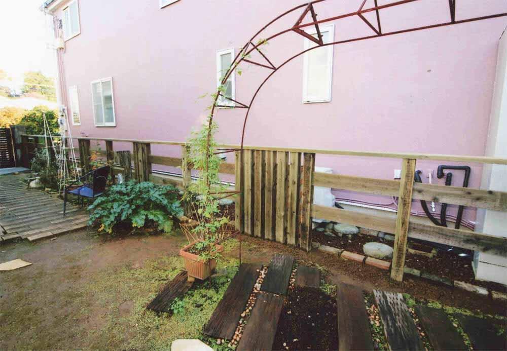 神奈川県横浜市青葉区A様邸 新しいデザインのウッドフェンス。お客様のイラストを元に実際の形にしました。