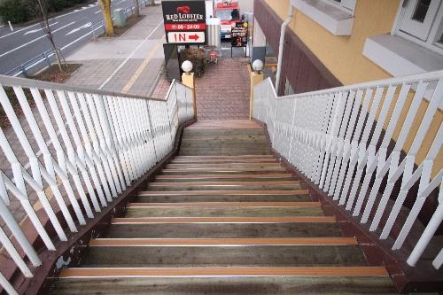 ウッドデッキ 階段