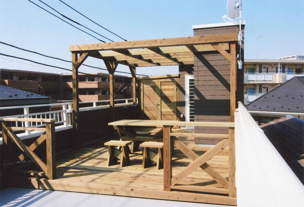 東京都葛飾区N様邸 家庭菜園を楽しみデッキはご家族でくつろぐスペースに。