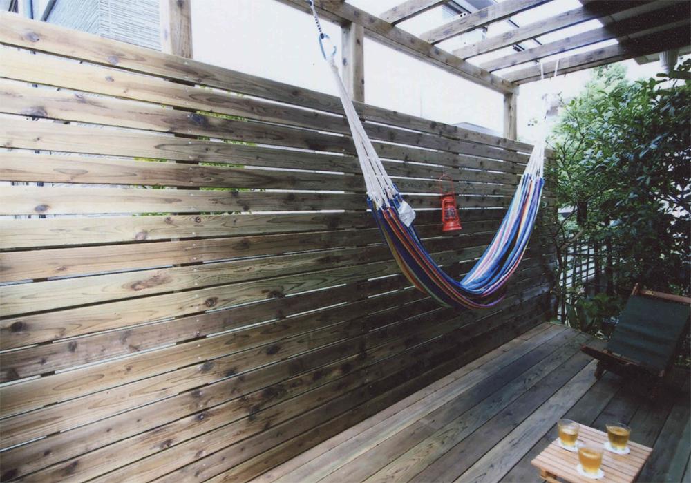 東京都大田区S様邸 ちょっと背の高い目隠しフェンスで安心してくつろげるプライベート空間
