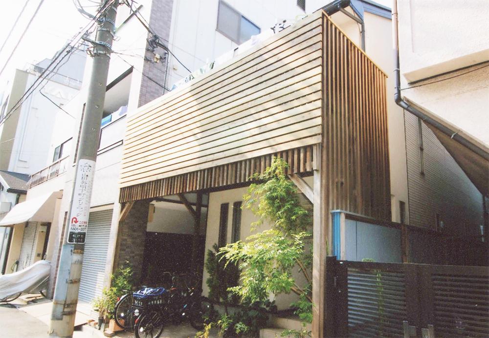 東京都台東区W様邸 後々の補修をしやすいような施工方法。桟が楽しいアクセント