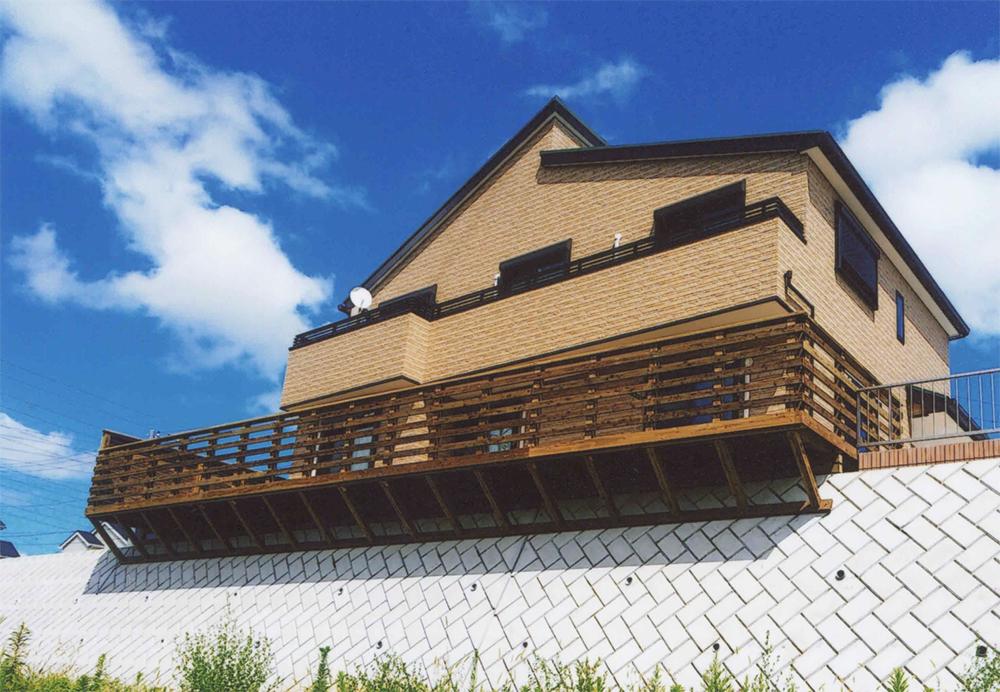 千葉県千葉市中央区K様邸 全てLBウッドを使った景観を楽しむデザインデッキ