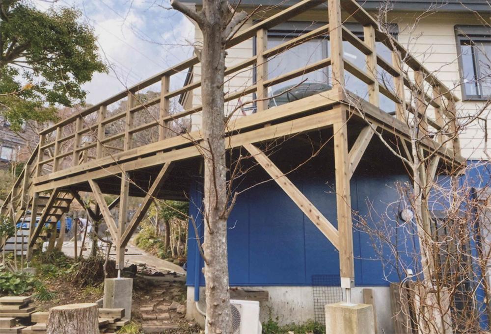 静岡県賀茂郡東伊豆町I様邸 木の素材感 弱くなってしまったウッドデッキを作り替え