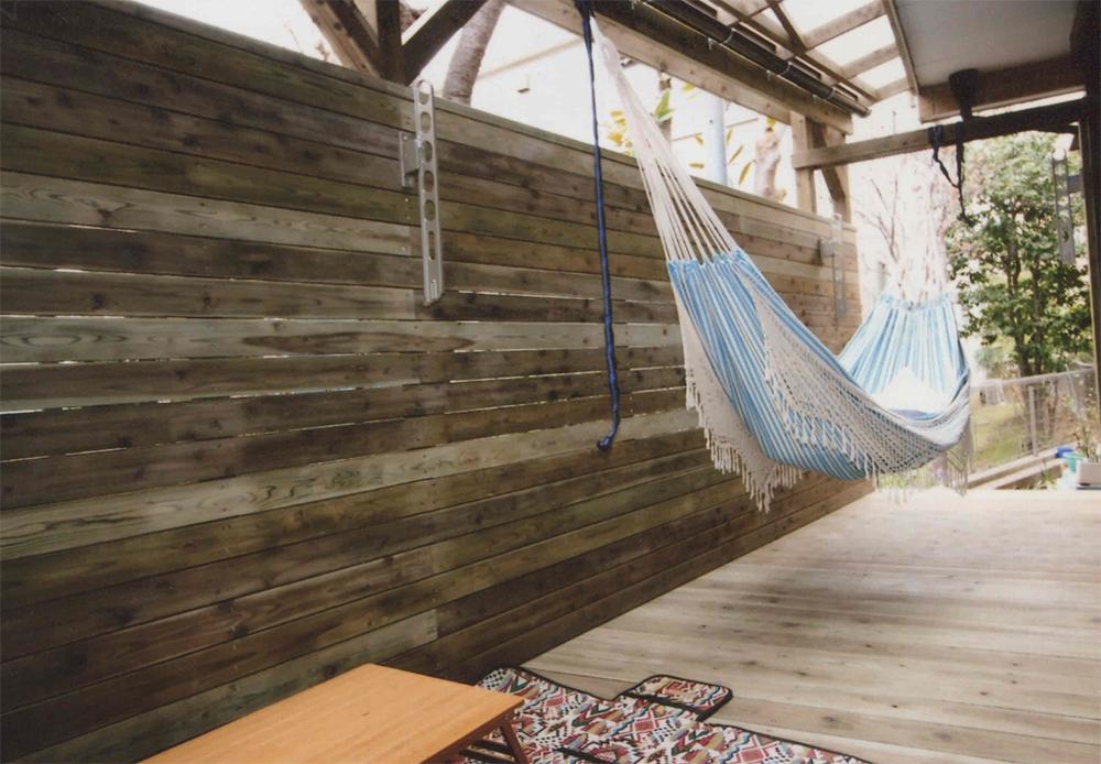 東京都東村山市U様邸 ハンモックを吊れるパーゴラ 高い目かくしフェンスでのびのびとくつろげます。