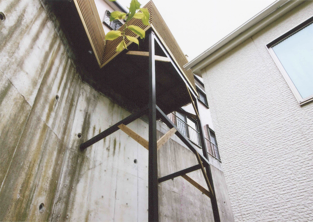 施工例035 神奈川県横浜市戸塚区S様邸 アルミ架台は補強し、木部はLBウッドで作り替えました。